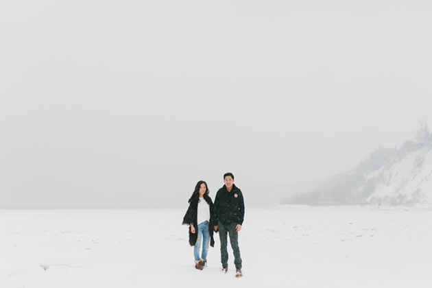 snowy-winter-engagement-session-0002