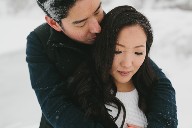 snowy-winter-engagement-session-0003