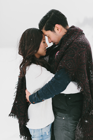 snowy-winter-engagement-session-0005