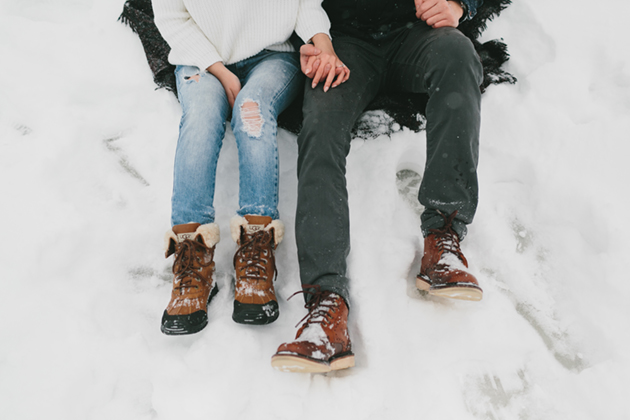 snowy-winter-engagement-session-0012