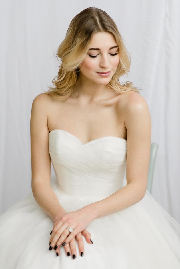 Toronto Editorial Wedding Photo Shoot. Bridal Wedding Poses, Engagement Ring.