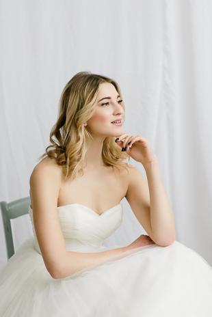 Toronto Editorial Wedding Photo Shoot. Bridal Wedding Poses.