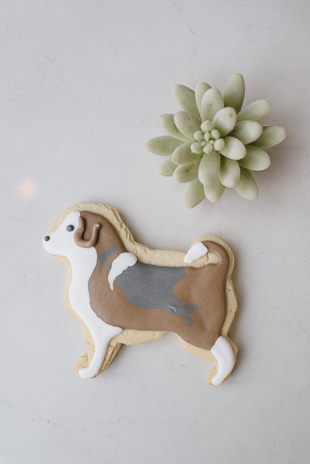 dog inspired wedding cookie