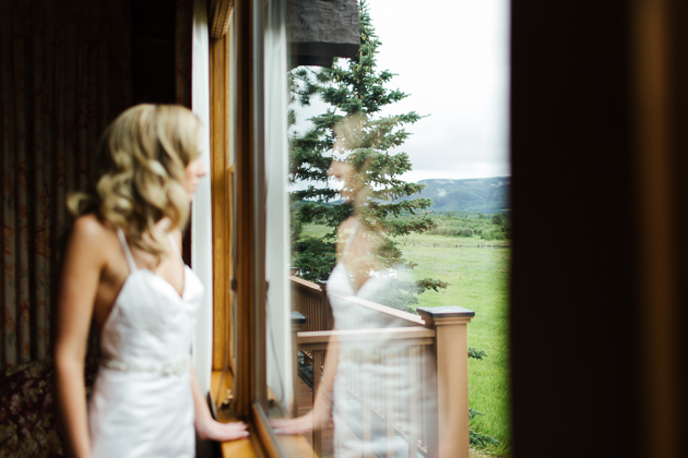 Bride's getting ready for her Colorado wedding