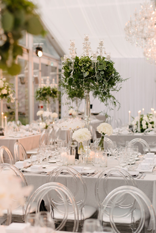 Loose greenery at this elegant case Loma wedding