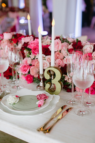 Pink roses infused wedding reception in Mexico