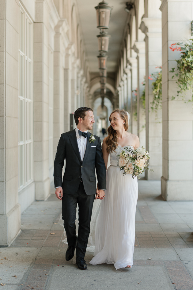 Downtown Toronto wedding photos can look ever so elegant