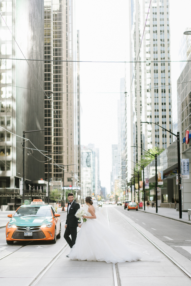 Downtown Toronto wedding pictures always give the right feels!