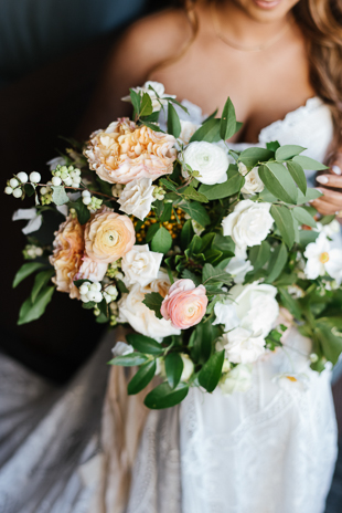 This organic bridal bouquet is a major inspiration!