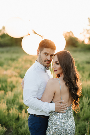 Beautiful engagement photo ideas - farm engagement session