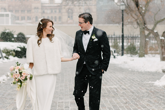 5 Tips For Getting the Most Out of Your Winter Wedding Photos