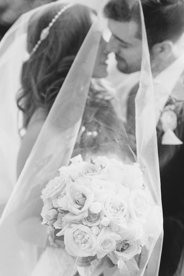 Bride and groom wedding photos by Mango Studios