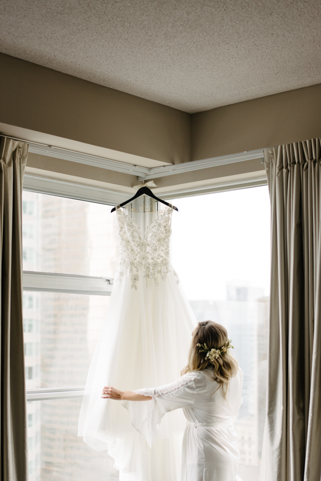 Romantic downtown wedding photos in Toronto