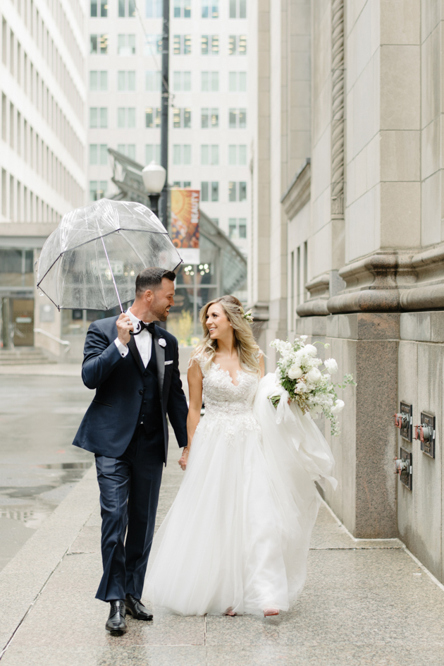Rainy wedding photos in Toronto