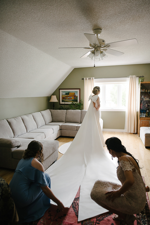 Bride getting ready in the morning
