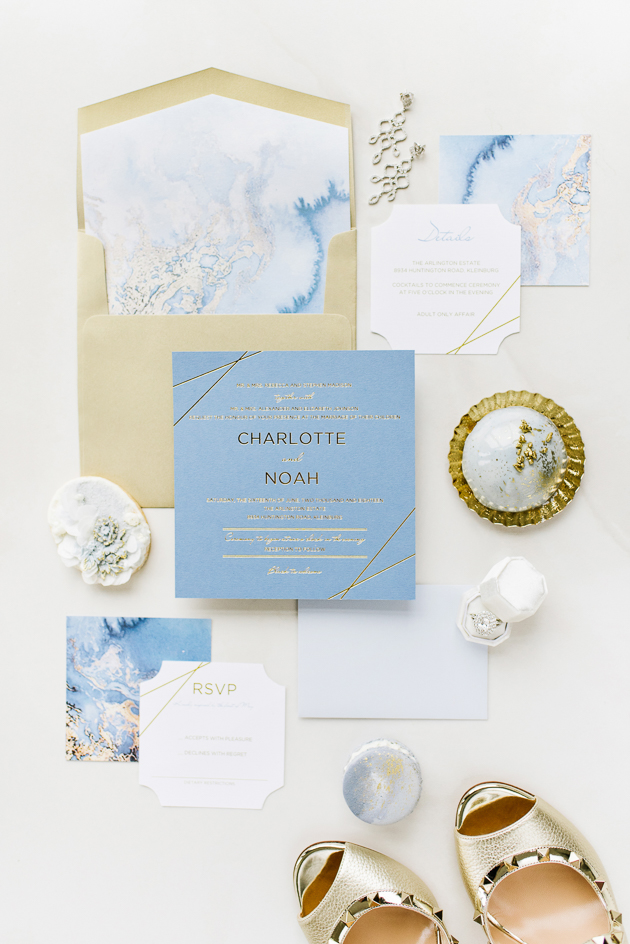 White and blue wedding inspiration theme