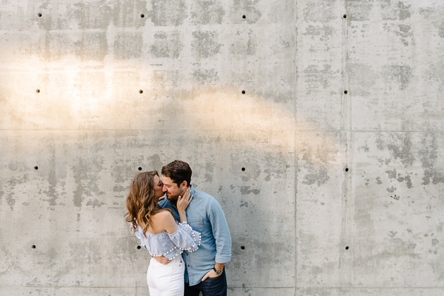 Trendy engagement photo outfit ideas