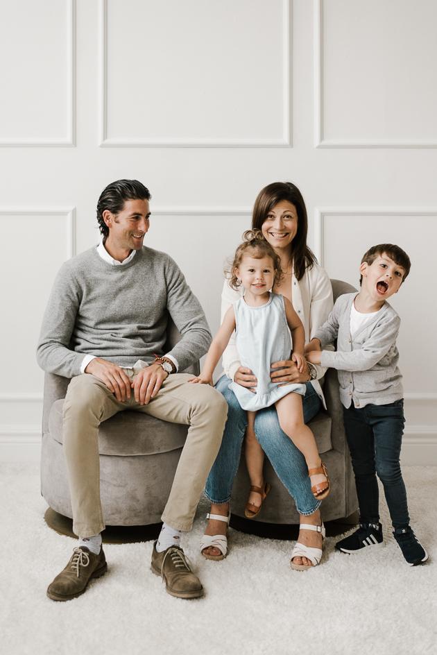 Family portrait photographer in Toronto