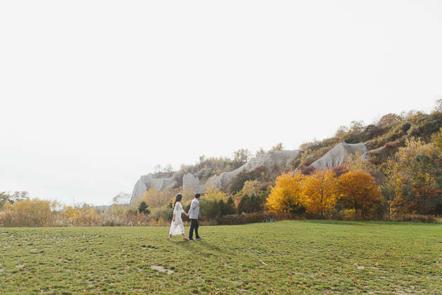 Scarborough Bluffs Fall engagement photos