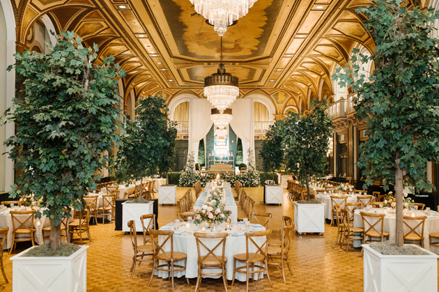 Take a look inside this beautiful Fairmont Royal York wedding