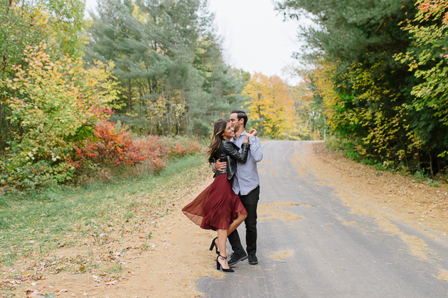 This Fall engagement photos will make you fall for Fall