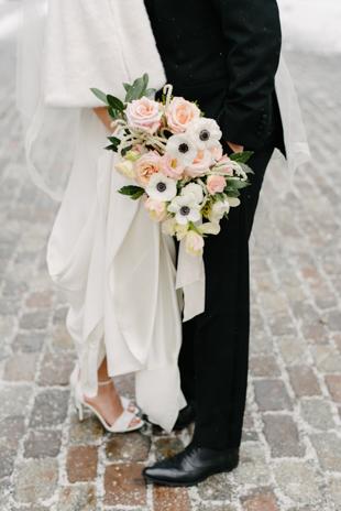 Snowy Osgoode Hall wedding photos in Toronto