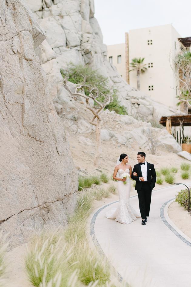 Destination wedding photographer in Como San Lucas